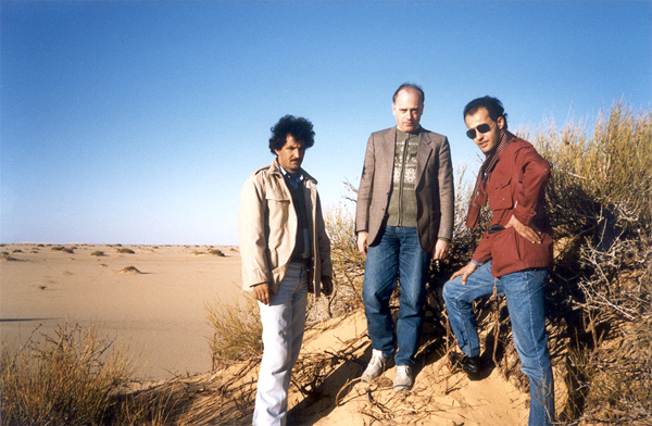 Benghazi >> HK -- Libyan desert near the oasis of Sebha, January 1987